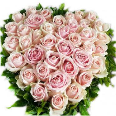 Mixed Pink Rose Heart